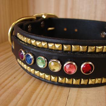 gay-ruadh-custom-leather-dog-collar-close